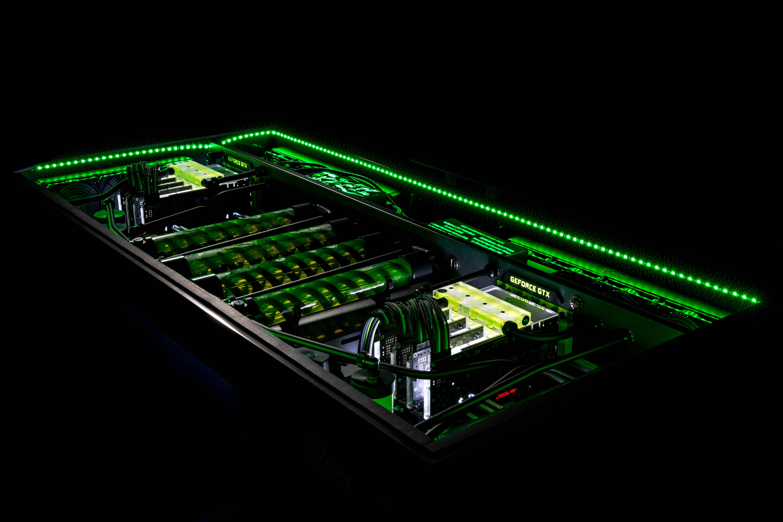 Rig Spotlight: The GeForce Garage Red Harbinger Cross Desk   GeForce